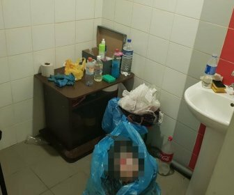 В Краснодаре женщина родила в туалете вокзала и выбросила младенца