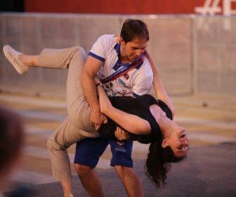 Волгоград: на фан-фестивале болельщиков танцевали под Beatles и АВВА