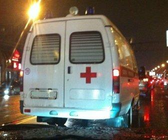 Две женщины в центре Волгограда оказались под колесами трамвая